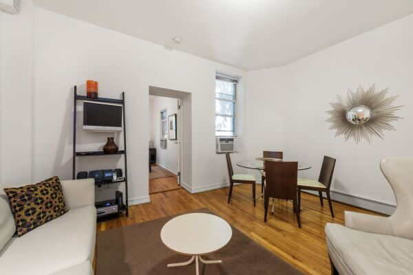 One Bedroom Living Area, 244 East Serviced Apartments, New York