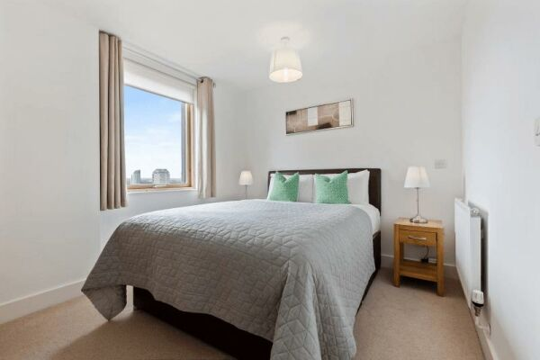 Bedroom, Phoenix Heights Apartments, Serviced Accommodation, London