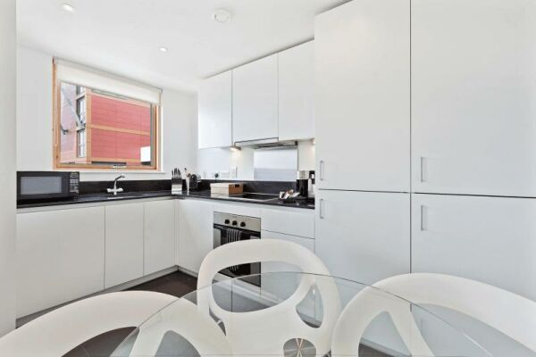 Kitchen, Phoenix Heights Apartments, Serviced Accommodation, London