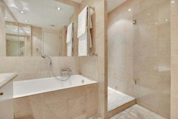 Bathroom, Circus Serviced Apartment, Serviced Accommodation, London