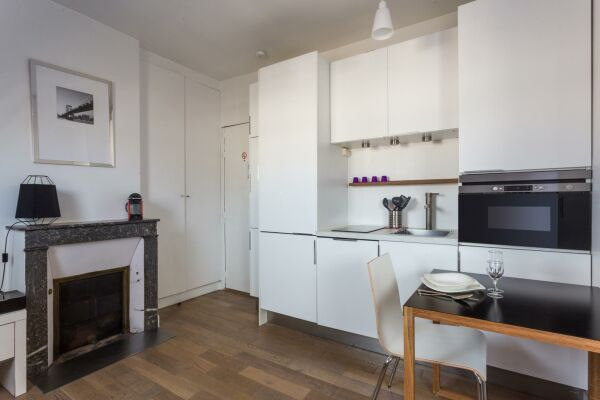 Kitchenette and Dining Area, Rue du Caire Serviced Apartment, Paris