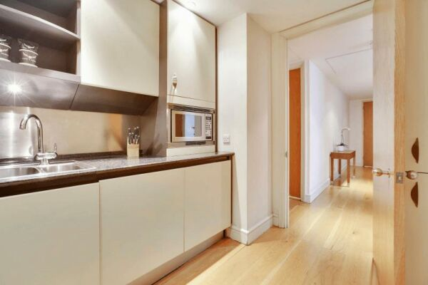 Kitchen, Circus Serviced Apartment, Serviced Accommodation, London