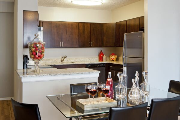 Kitchen and Dining Area, Bank Street Commons Serviced Apartments, White Plains, New York
