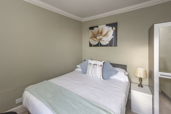 Bedroom, Ivory Serviced Apartment, Bath