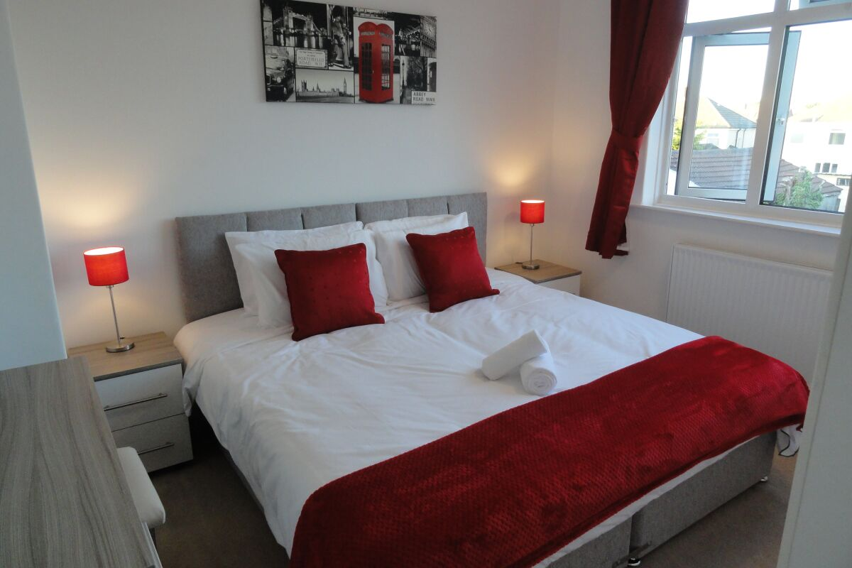 Bedroom, Filton House Serviced Accommodation, Bristol
