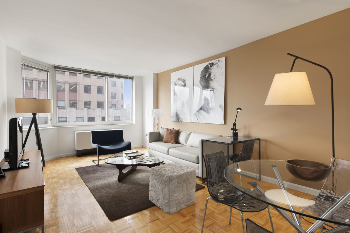 Living Room, Midtown West Serviced Apartments, New York