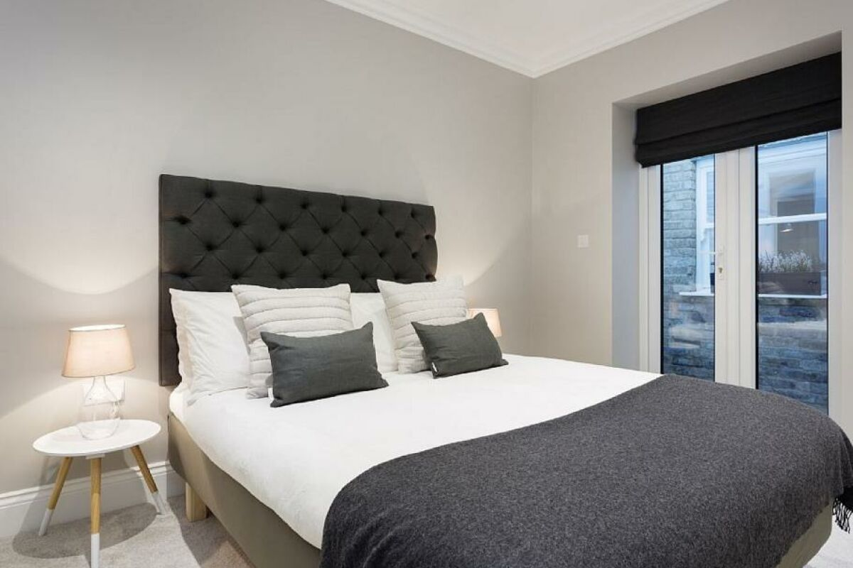 Bedroom, Polished Diamond Serviced Apartments, Fulham, London
