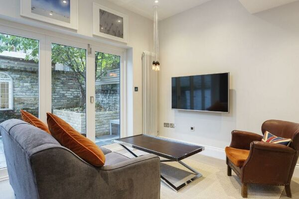 Halford Road Accommodation - Fulham, West London
