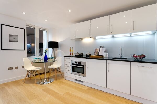 Kitchen, Fetter Lane Serviced Apartments, The City of London