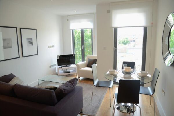 Living and Dining Area, Portobello Road Serviced Apartments, London