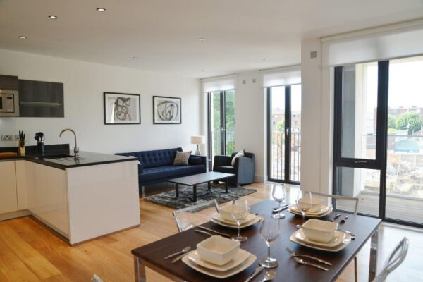 Open Plan Living Area, Portobello Road Serviced Apartments, London