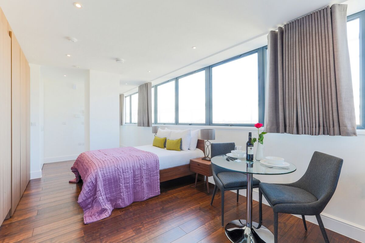 Bedroom, Swiss Cottage Serviced Apartments, Camden, London