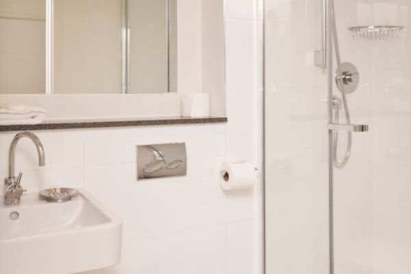 Bathroom, Cambridge Place Serviced Apartments, Cambridge