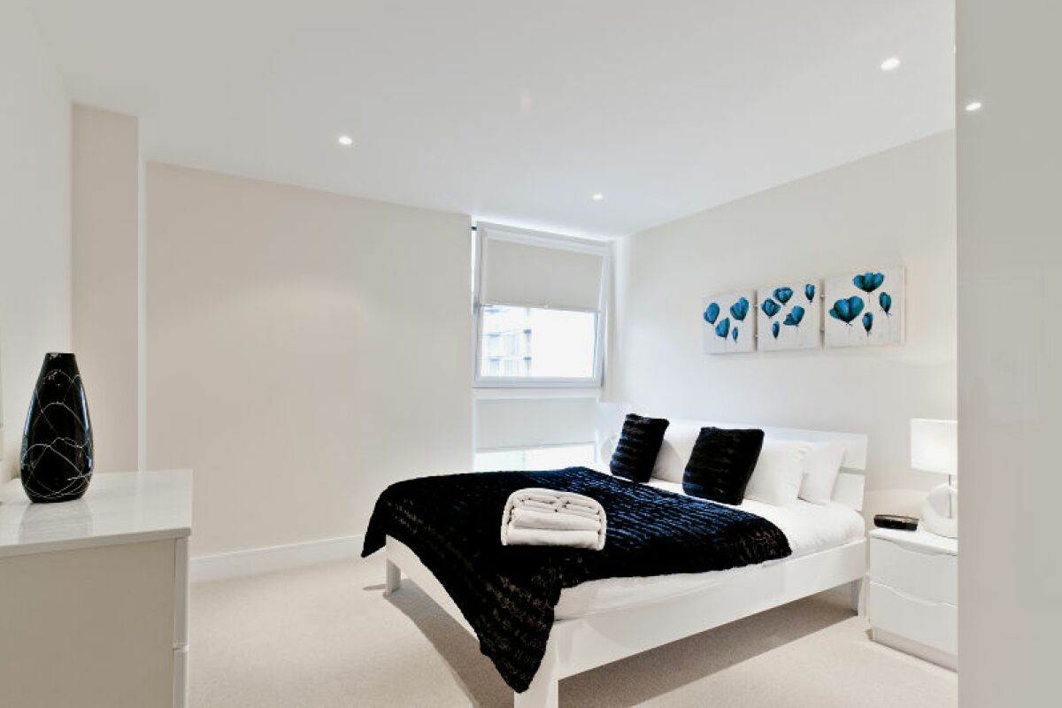 Bedroom, Millharbour Serviced Apartments, Canary Wharf, London