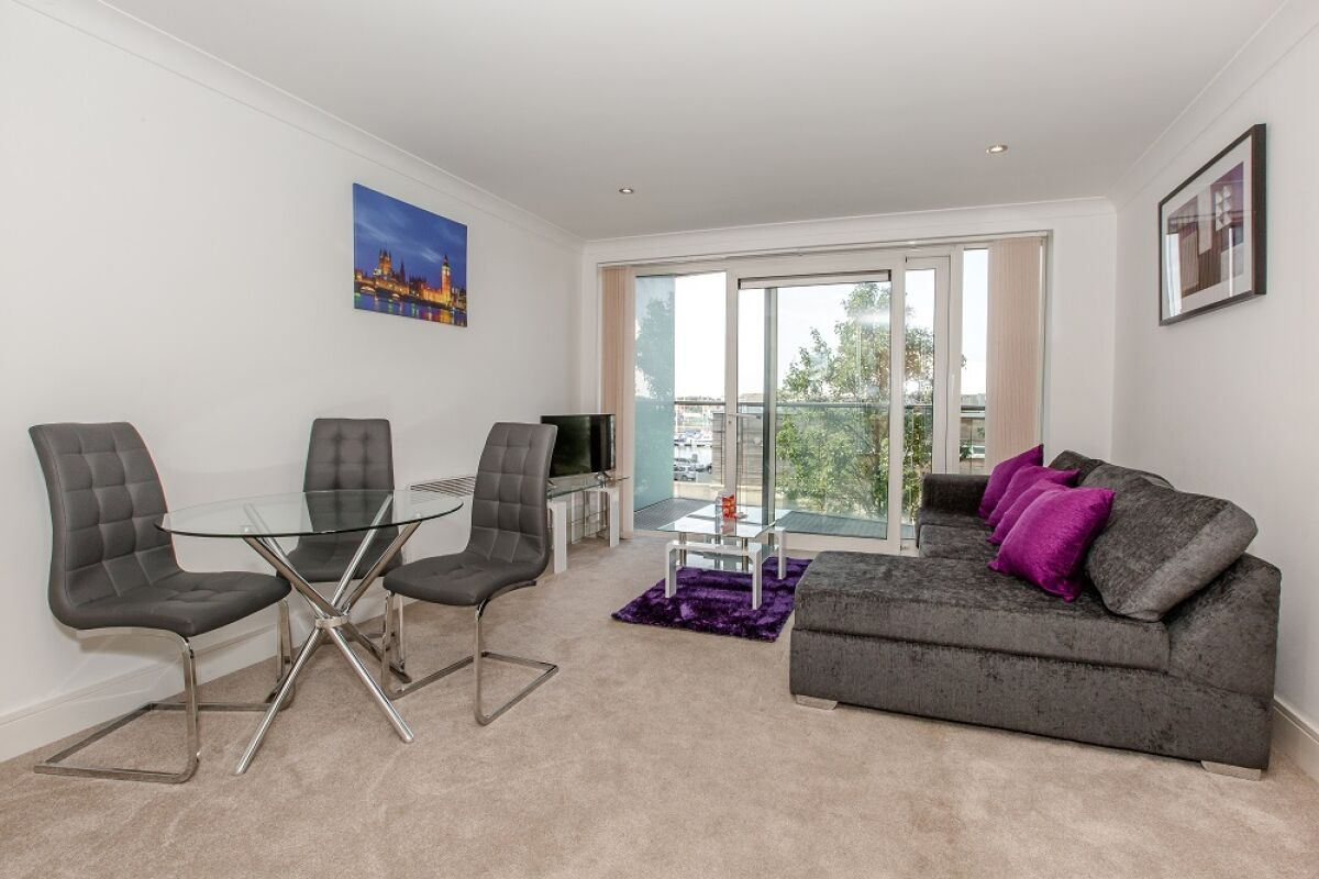 Living Area, Orwell Serviced Apartment, Ipswich