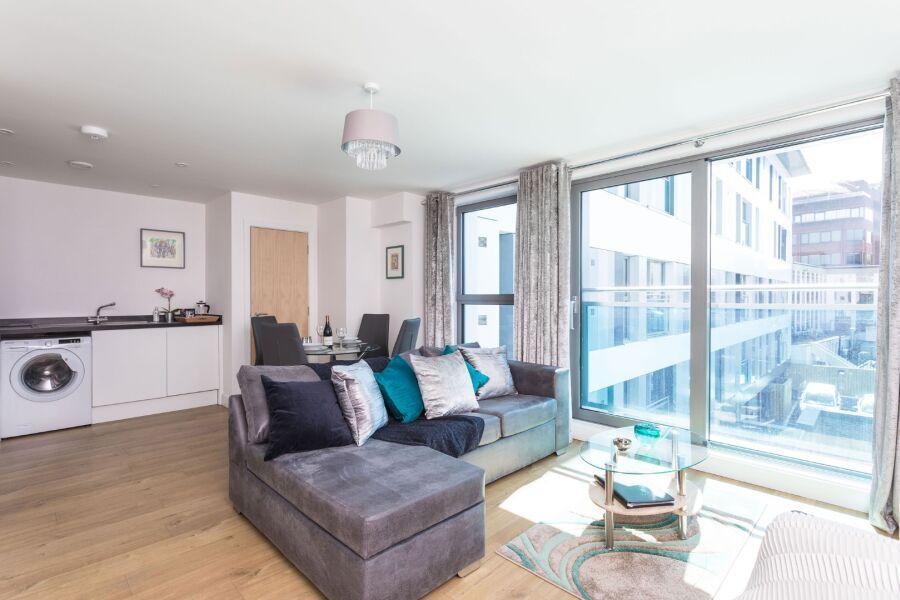 Knights Lodge Apartment - Redhill, United Kingdom