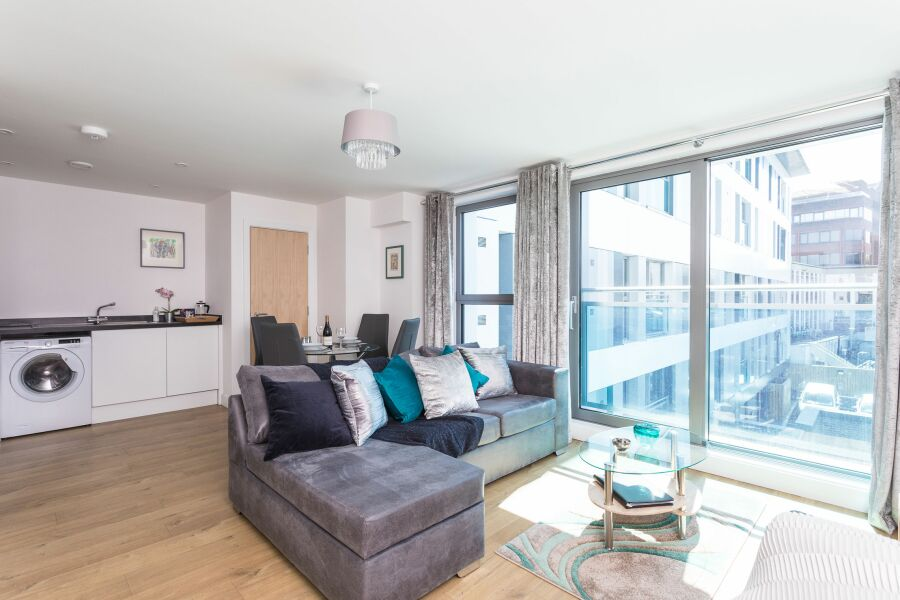 Knights Lodge Apartment - Redhill, United Kingdom
