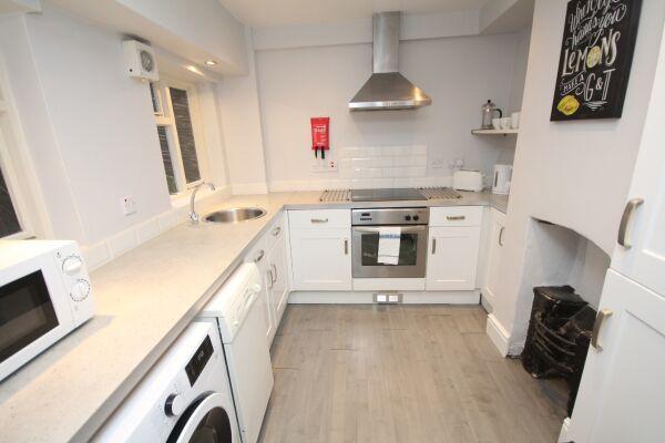 Kitchen, The Jephson Serviced Apartment, Leamington Spa
