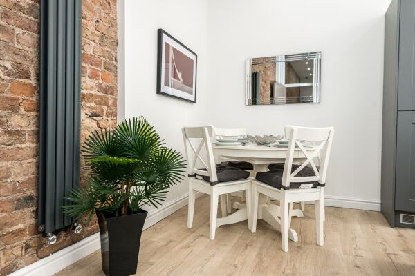 Dining Area, Liverpool Serviced Apartments, Liverpool