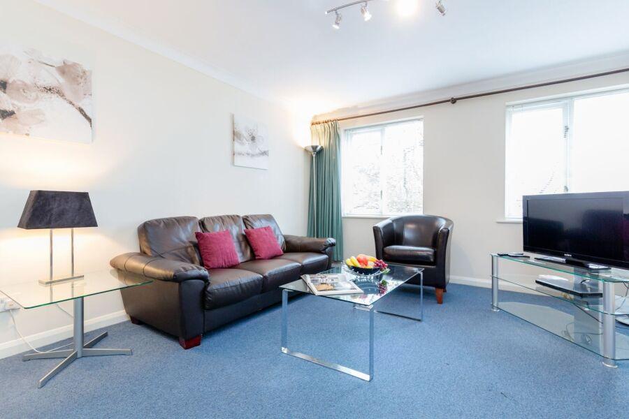 Regents Court Apartments - Kingston Upon Thames, West London