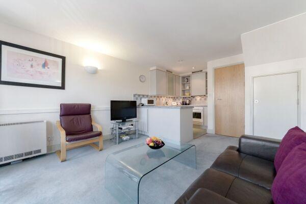 Living Area, Cramer House Serviced Apartment, Marylebone, London