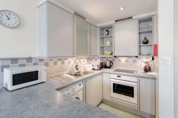 Kitchen, Cramer House Serviced Apartment, Marylebone, London
