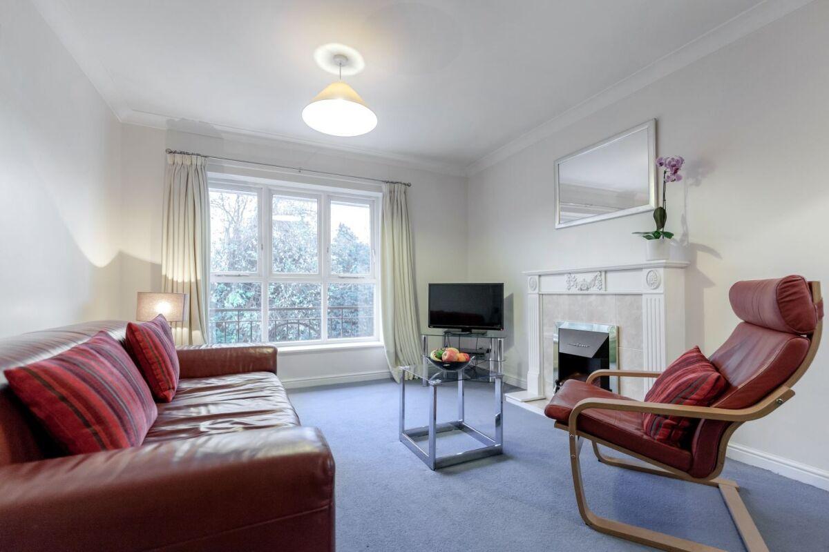 Living Area, Sabin Gates Serviced Apartment, Bracknell