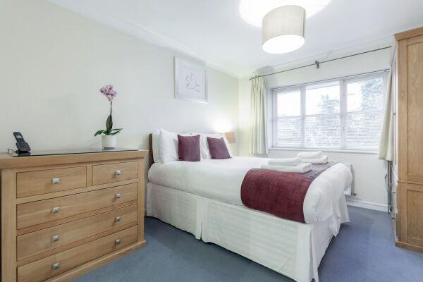 Bedroom, Sabin Gates Serviced Apartment, Bracknell