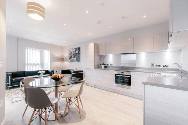 Kitchen, Vertex House Serviced Apartments, Croydon, London