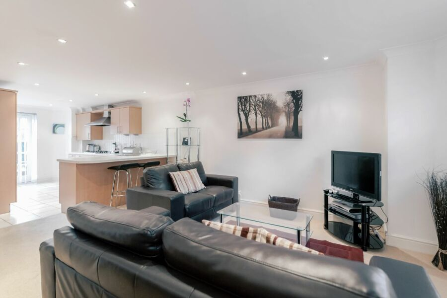 Sandfield Court Apartment - Guildford, United Kingdom