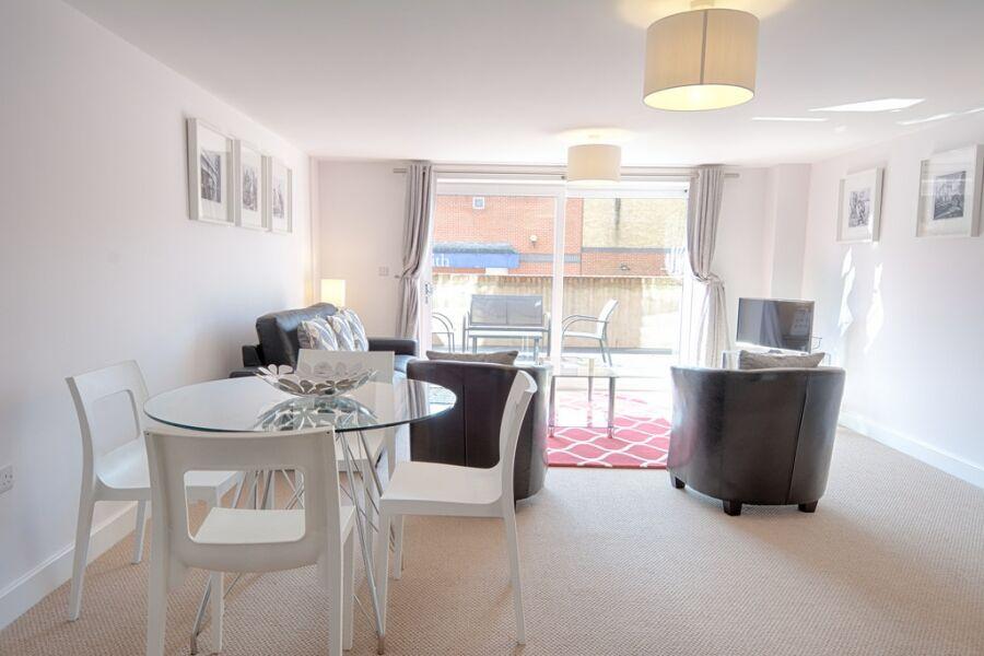 Bradley Court Apartments - Camberley, United Kingdom