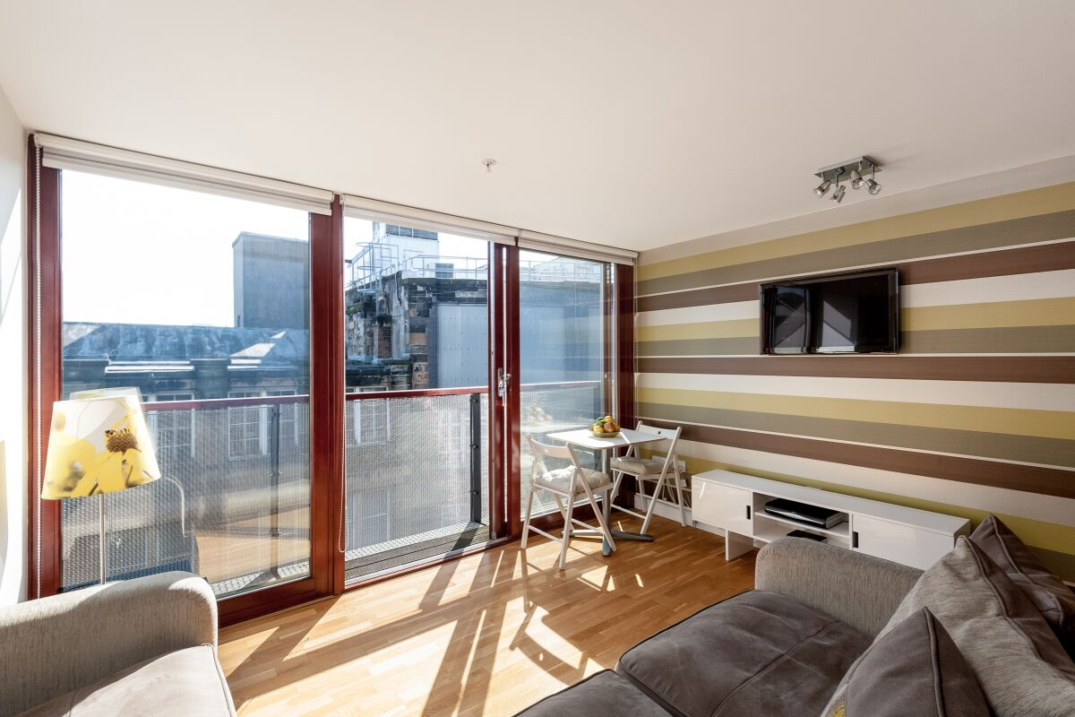 Living Room, Vienna Serviced Apartments, Glasgow