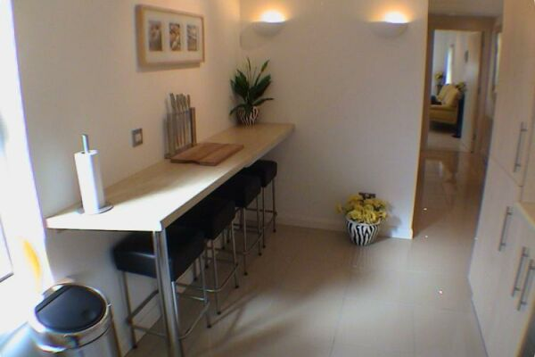 Breakfast Bar, Earle House Serviced Apartments, Crewe