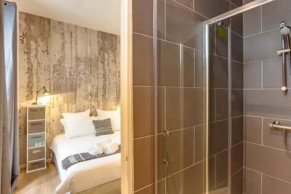 Bathroom, Cygne Serviced Apartment, Paris