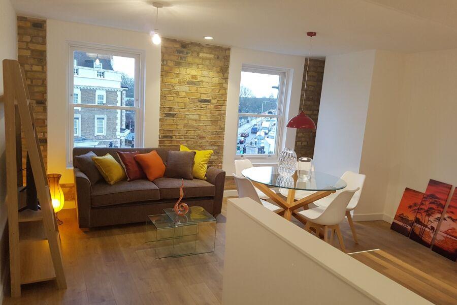 Q House Apartments - Brentford, West London