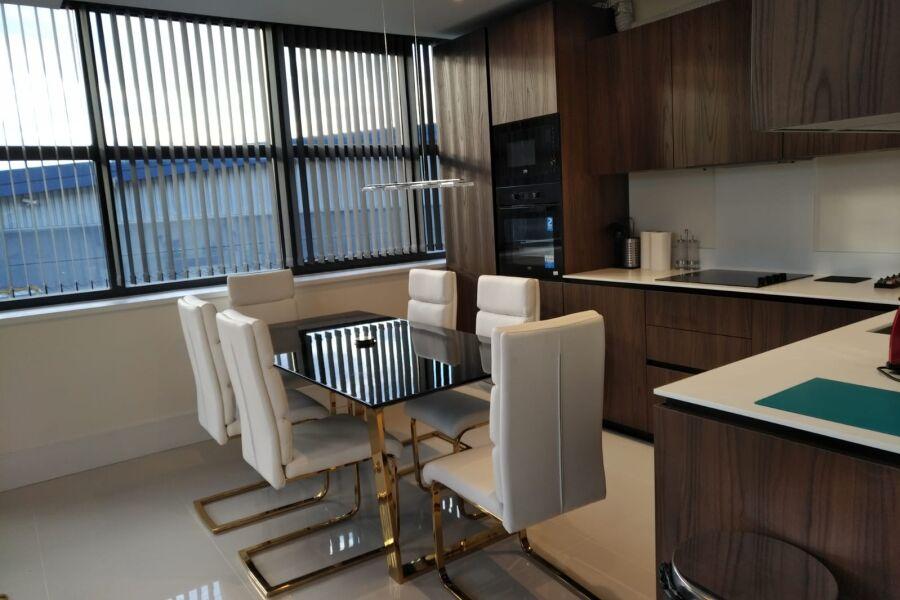 Hanger Lane Apartments - Ealing, West London