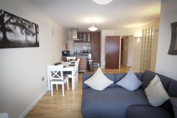 Lounge and Dining Area, Curzon Street Serviced Apartments, Ipswich