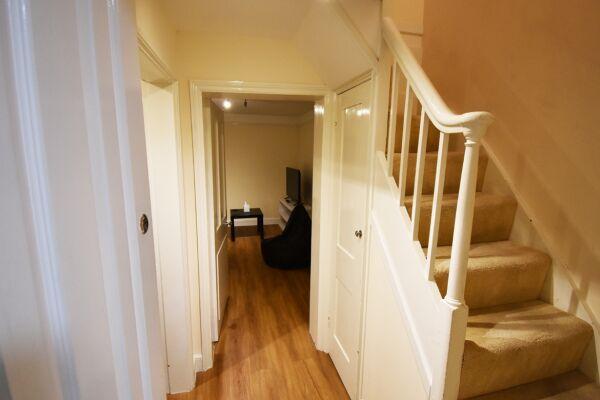 Hallway, The North Gate Serviced Apartment, Ipswich