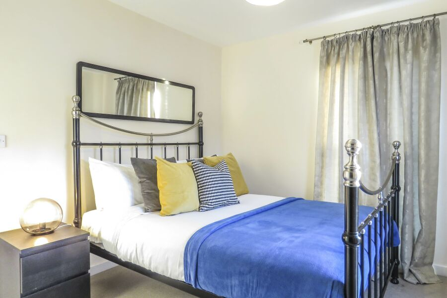 Guildford Townhouse Accommodation - Birmingham, United Kingdom