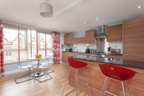 Kitchen, Ingram Street Serviced Apartment, Glasgow