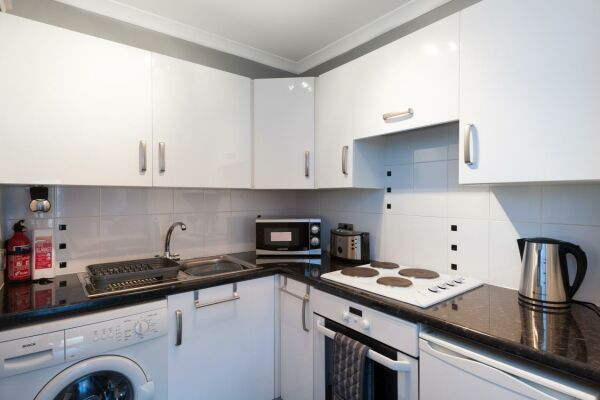 Kitchen, Brunswick Serviced Apartment, Glasgow