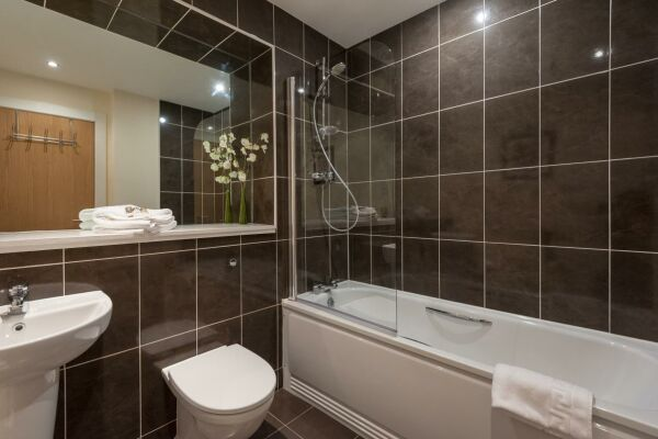 Bathroom, Virginia Street Serviced Apartment, Glasgow