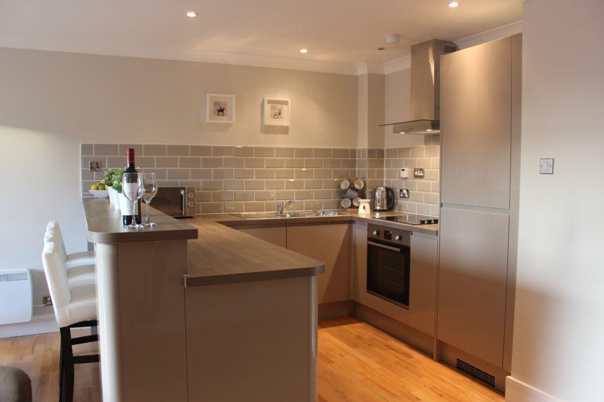 Kitchen, The Bridge Serviced Apartment, Glasgow