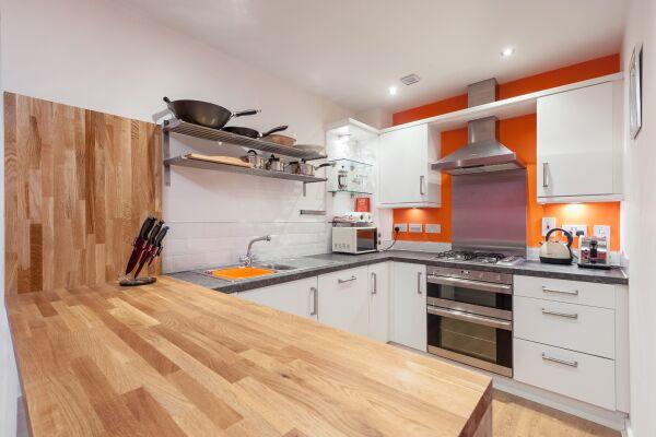 Kitchen, Headline Serviced Apartment, Glasgow