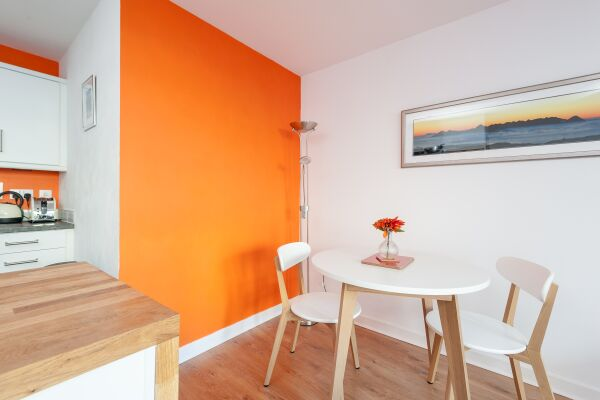 Dining Area, Headline Serviced Apartment, Glasgow