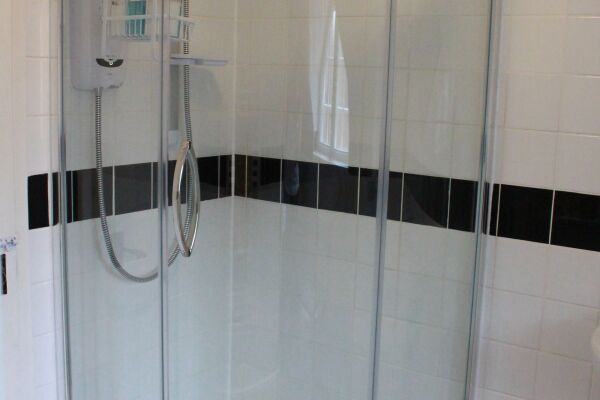 Shower Room, Ashbrook Chilton Serviced Apartments, Chilton