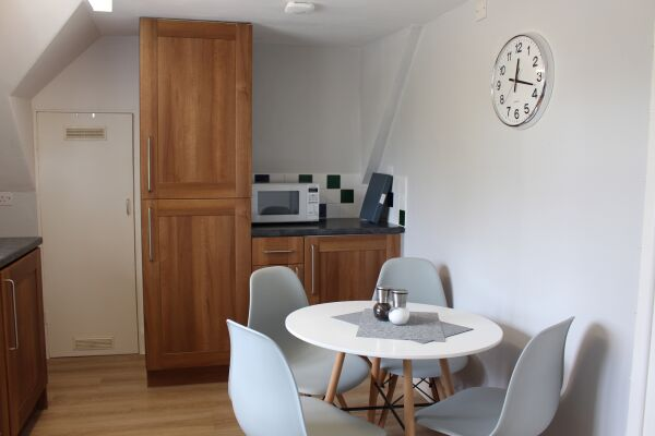 Kitchen and Dining Area, Ashbrook Chilton Serviced Apartments, Chilton