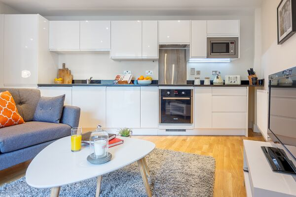 Living and Kitchen Area, Canary Gateway Serviced Apartments, Limehouse, London