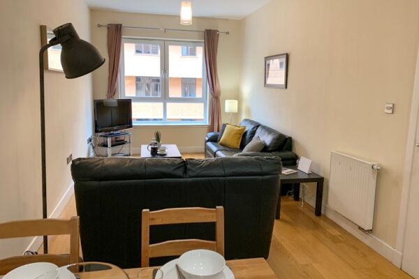 Living room/Dining, Ingram Serviced Apartment, Glasgow