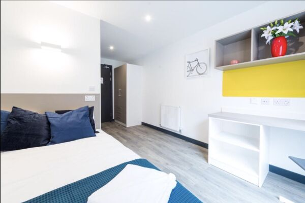 Bedroom, Infinity Serviced Apartments, Luton
